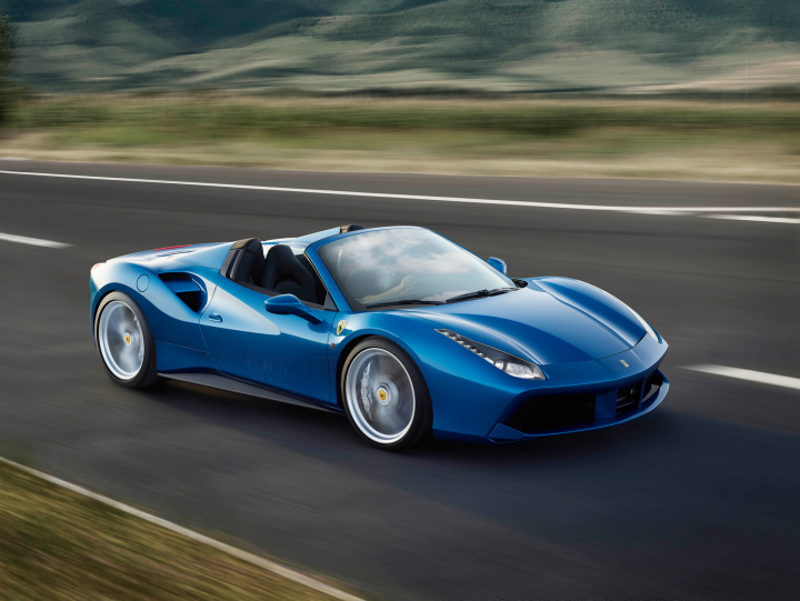 A Double Victory for Ferrari in the 2016 Sport Auto Awards