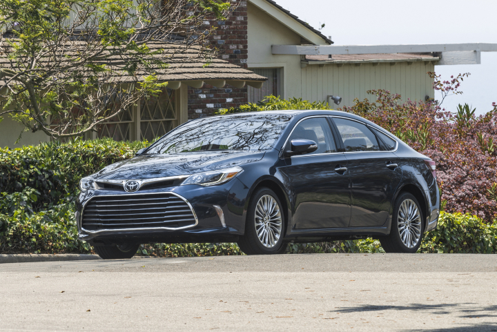 2017 Toyota Avalon Review