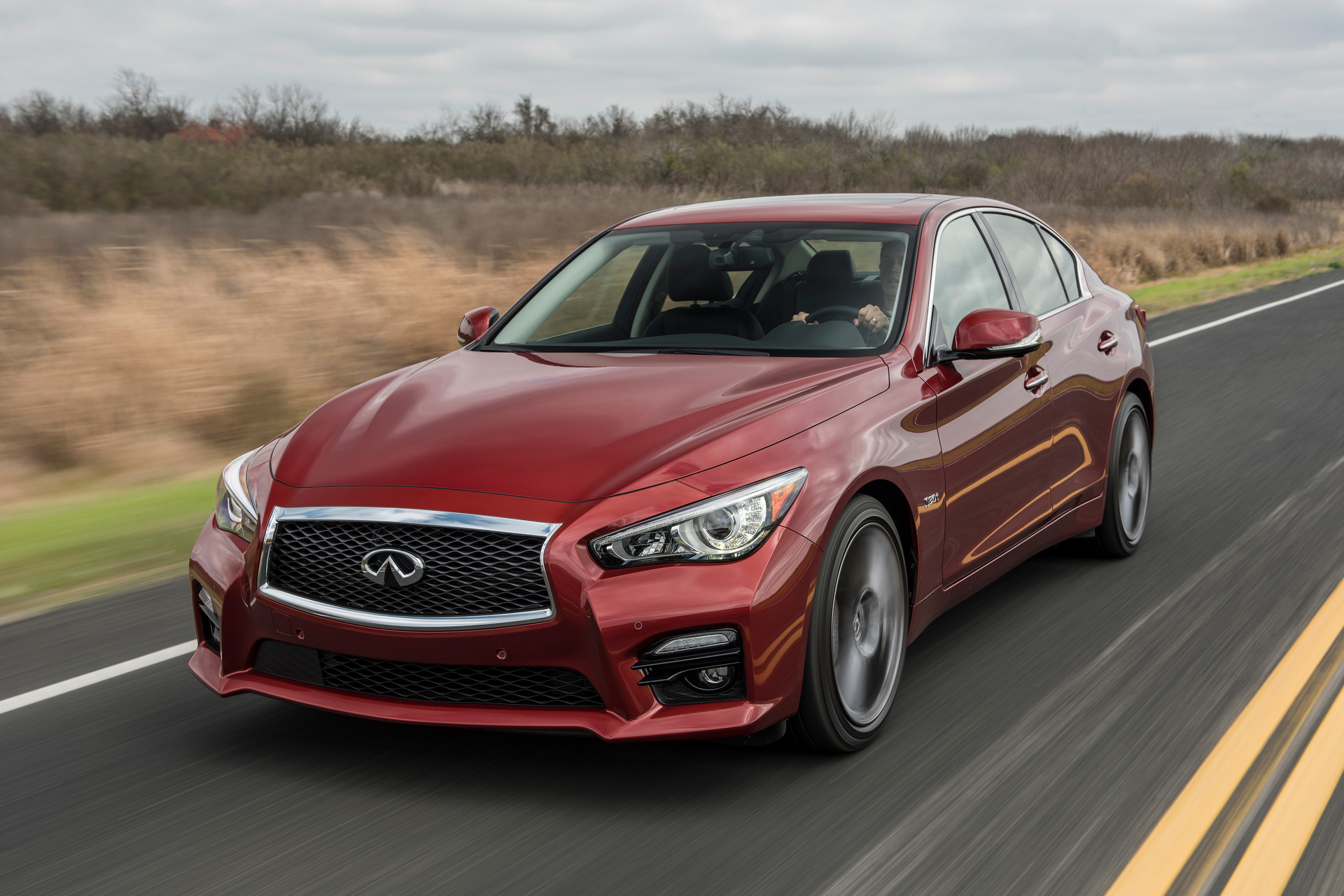 2016 Infiniti Q50 Red Sport 400 © Nissan Motor Co., Ltd.