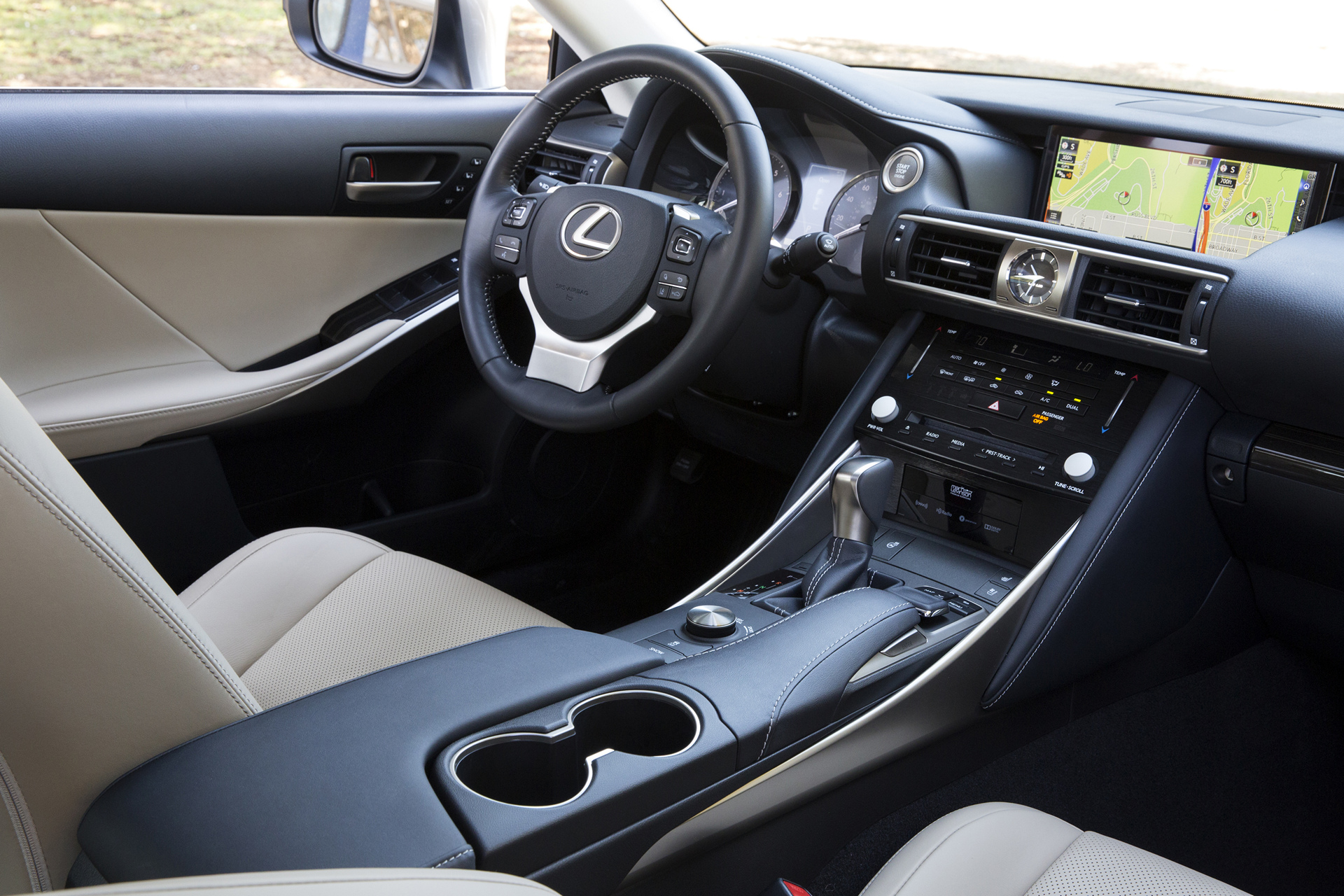 2017 Lexus IS 200t © Toyota Motor Corporation