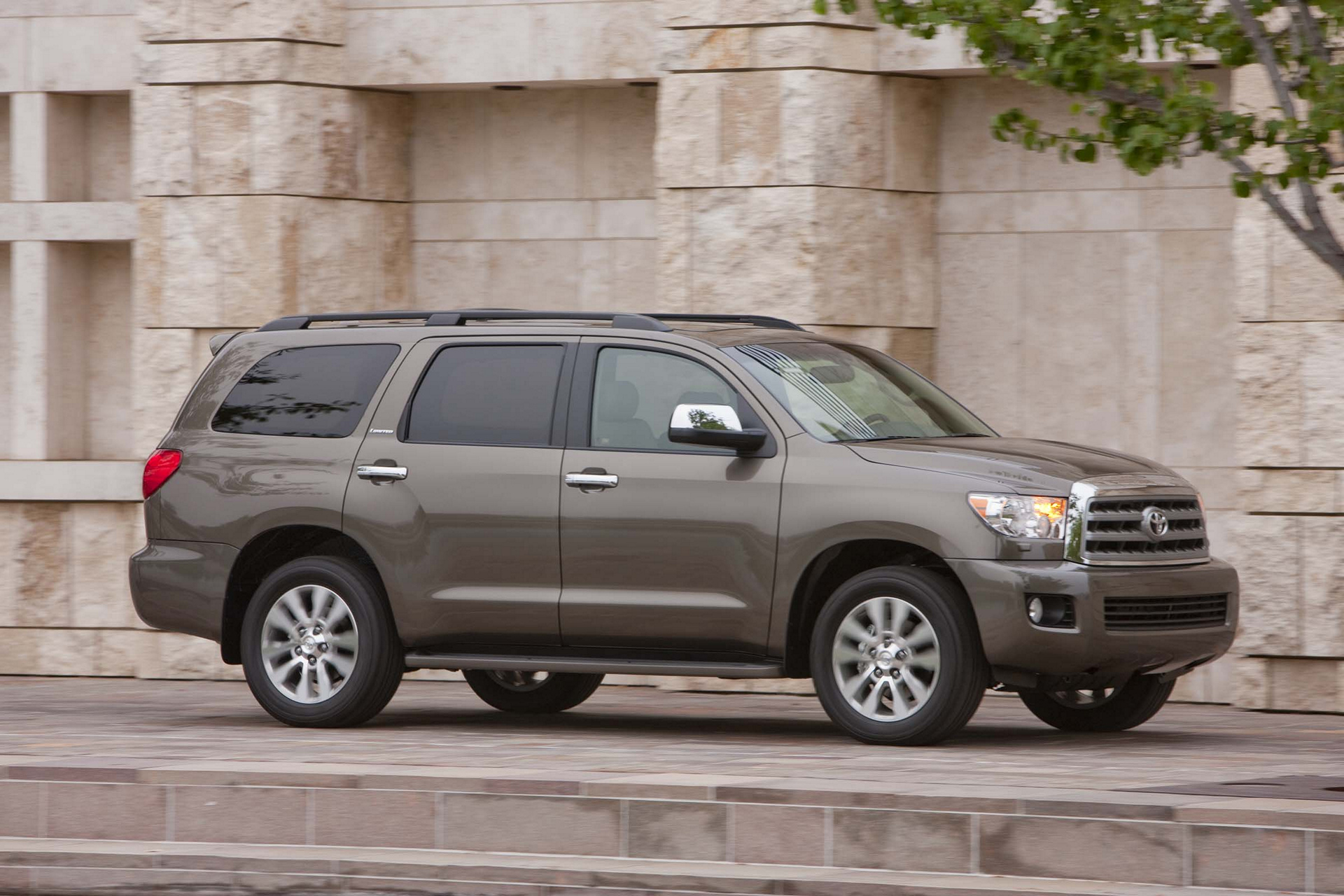 2017 Toyota Sequoia © Toyota Motor Corporation