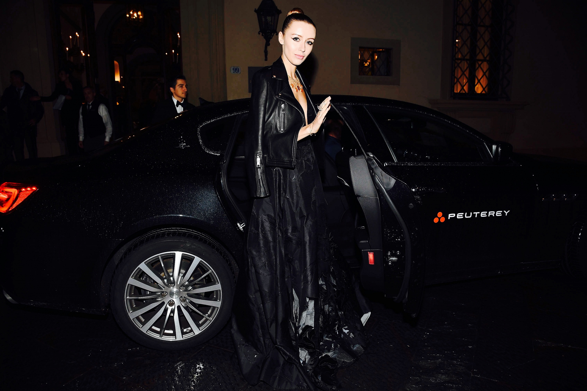 Nataly Osmann with the Quattroporte arrives at the INFERNO Premiere © Fiat Chrysler Automobiles N.V.