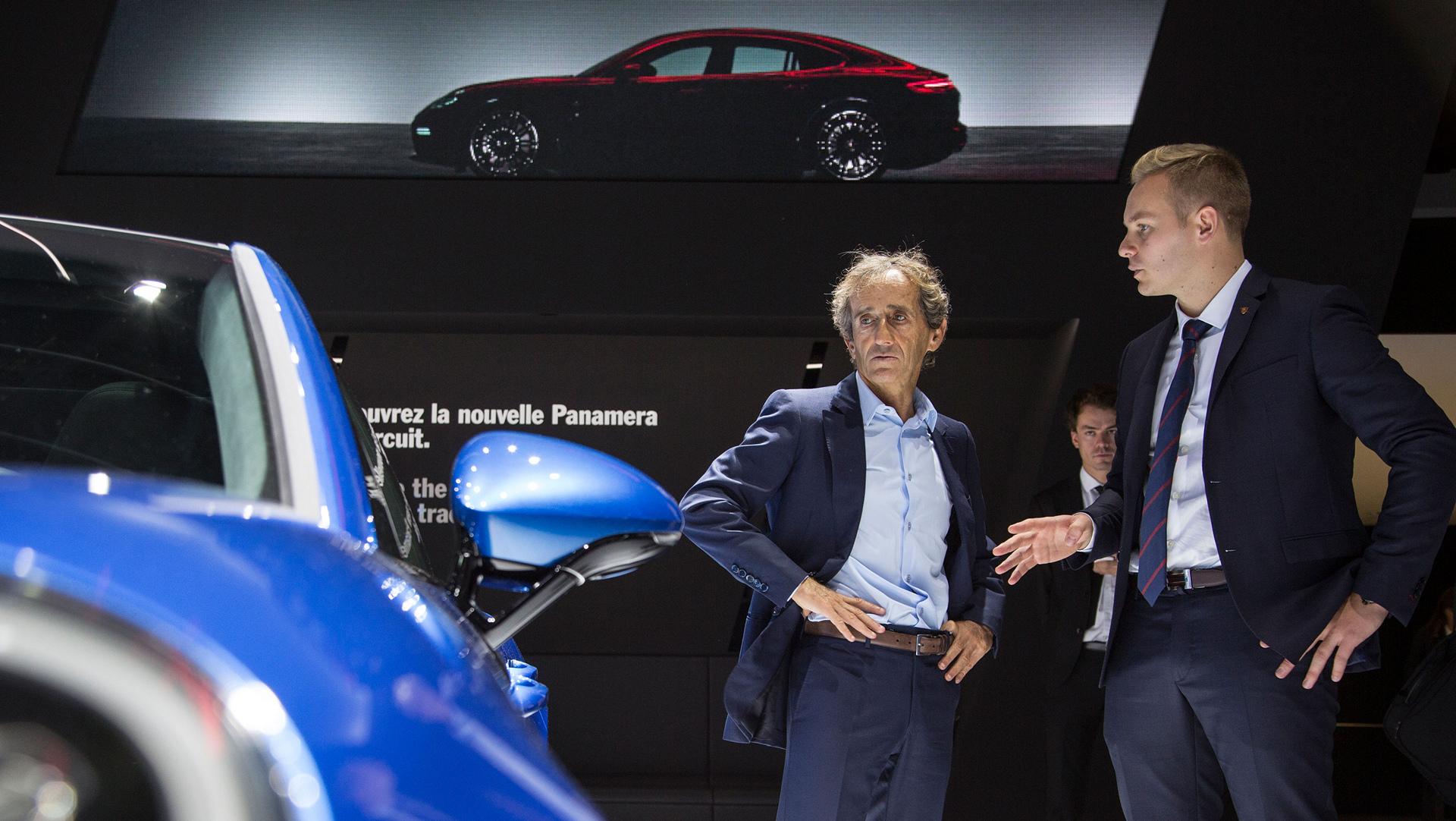 Alain Prost (l), race driver, Porsche Panamera 4 E-Hybrid © Dr. Ing. h.c. F. Porsche AG