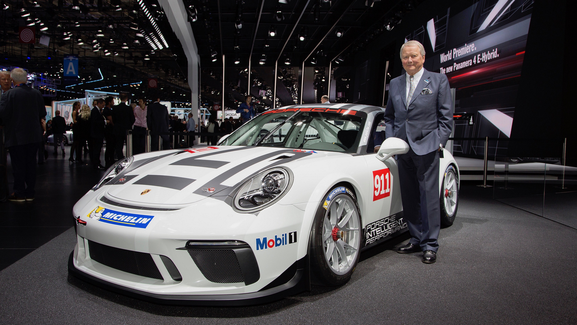 Dr. Wolfgang Porsche, Chairman of the Supervisory Board of Porsche AG, 911 GT3 Cup © Dr. Ing. h.c. F. Porsche AG