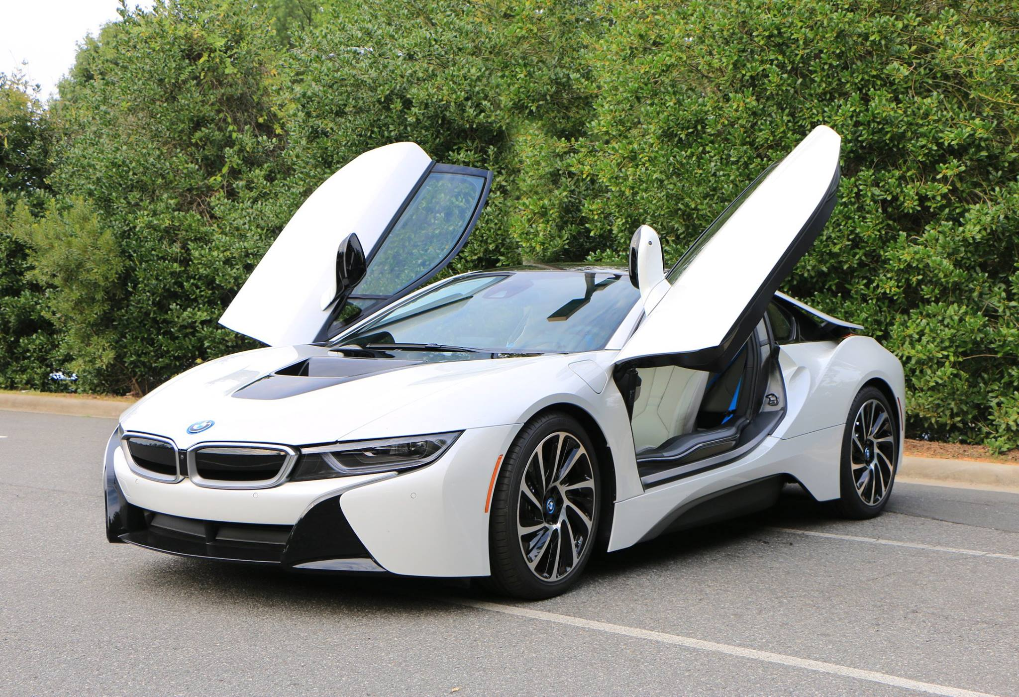 Bmw I8 Review Is It Worth The Price Tag Carrrs Auto Portal